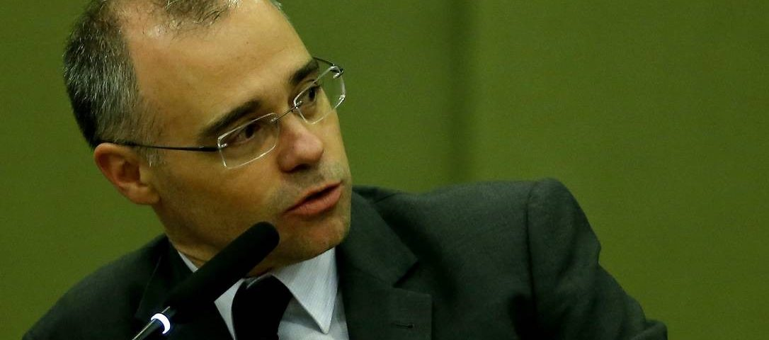 O procurador-geral da República, André Mendonça, torna-se o favorito do Ministério da Justiça