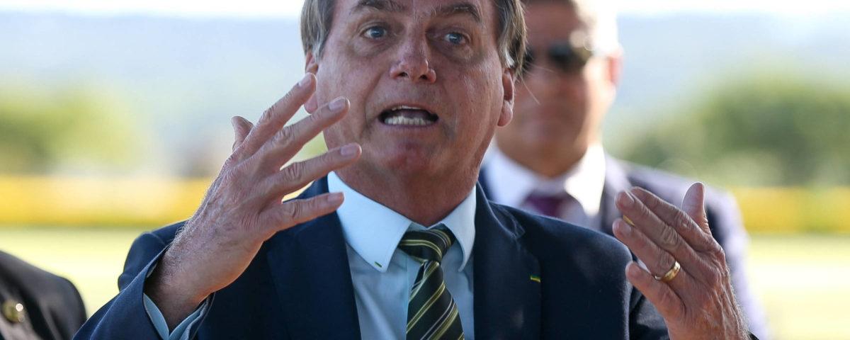 Bolsonaro diz que assumiu a inteligência de um plano Maia, Doria e STF contra ele.