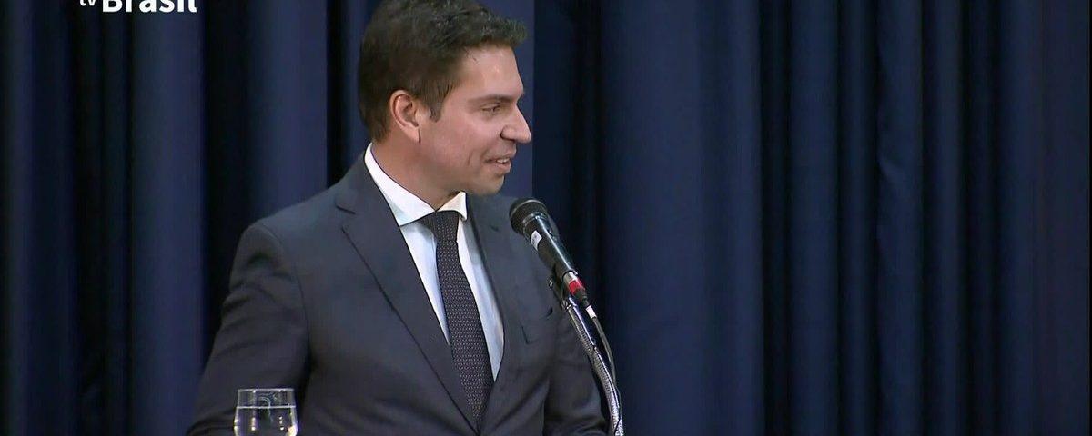 O delegado Alexandre Ramagem será o novo CEO da PF, segundo fontes do Planalto.