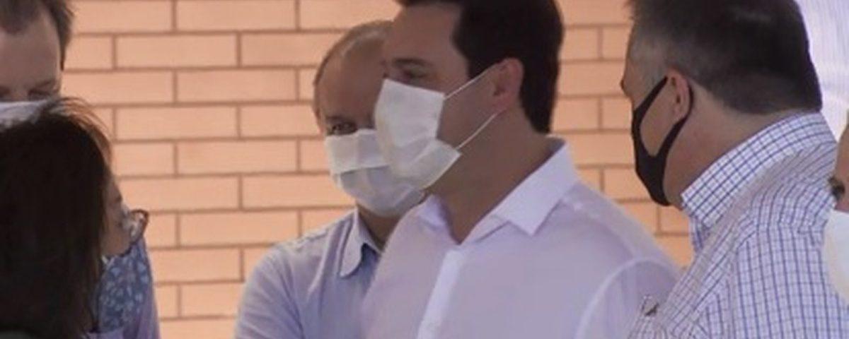 O governador do Paraná e a Secretaria de Saúde ficarão isolados até o resultado dos exames Covid-19