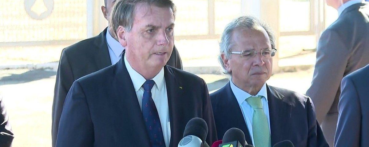 """""""O homem que decide a economia no Brasil é um: Paulo Guedes"""", diz Bolsonaro"""