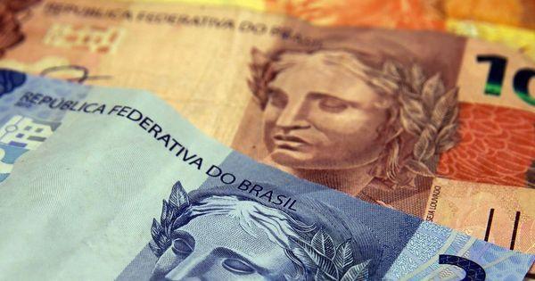 Justiça proíbe bancos de cobrar crédito dedutível da folha de pagamento para aposentados