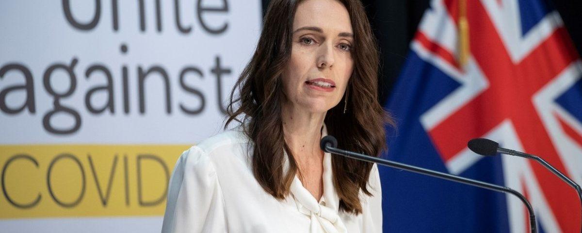 Nova Zelândia venceu uma batalha contra o coronavírus, diz primeiro-ministro