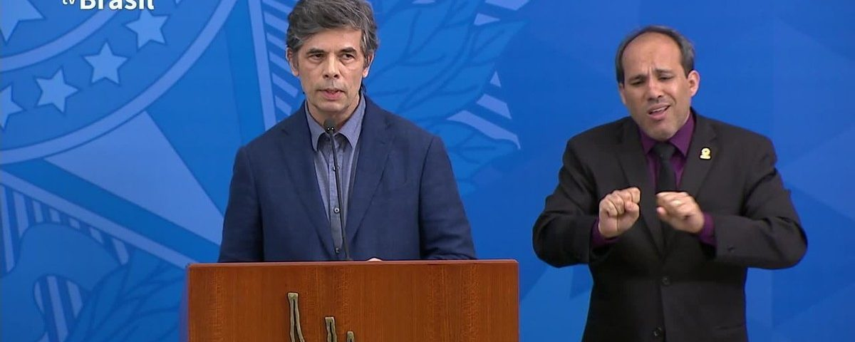 """Novo ministro da saúde diz que não haverá """"definição forte"""" de isolamento social"""
