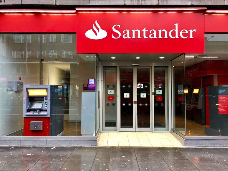 O lucro do Santander Brasil aumentou 10,5% no primeiro trimestre e atingiu R $ 3,77 bilhões; Reduções de crédito Embraer, Carrefour preview e mais notícias