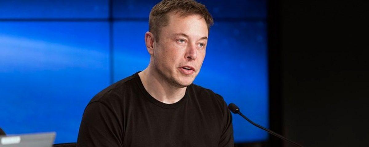Musk reabre fábrica de Tesla na Califórnia e pode até ser preso