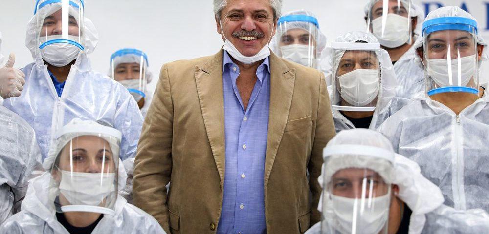 Apesar da popularidade da pandemia, Fernández permanece incerto sobre a direção da Argentina.