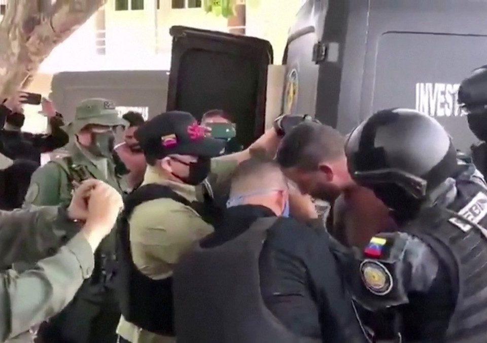 """Após uma suposta """"invasão mercenária"""" da Colômbia para a Venezuela, o governo chavista anuncia prisões"""