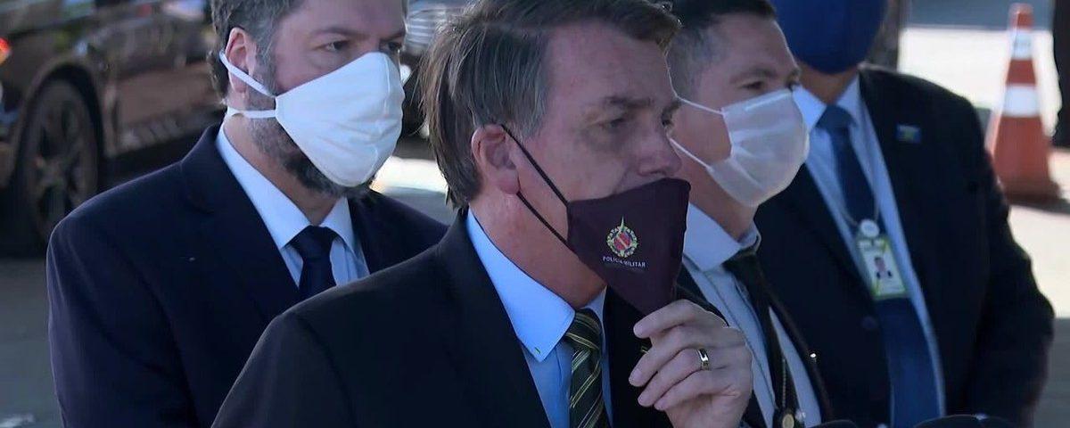 Bolsonaro pede governadores para rever política de isolamento e diz que está 'pronto para falar'