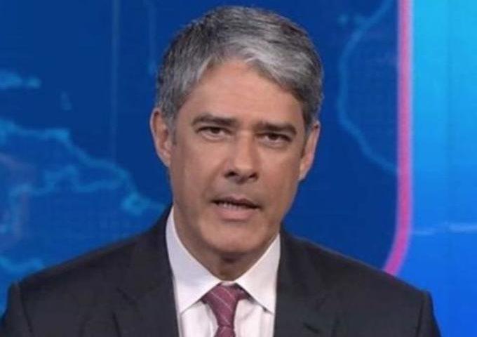 Bonner é 'cortado' do Jornal Nacional e internautas reagem: 'fila de desempregados'