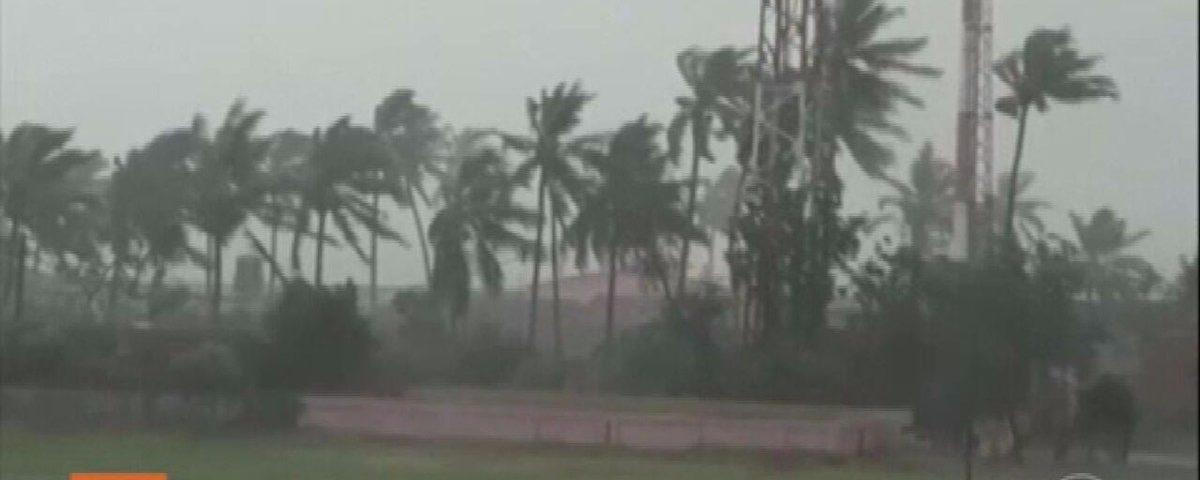 Ciclone Amphan causa fortes chuvas na Índia