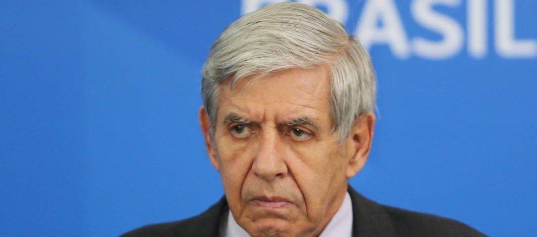 GSI critica a reportagem do Jornal Nacional e apresenta uma nova versão da sentença de Bolsonaro em reunião citada por Moro