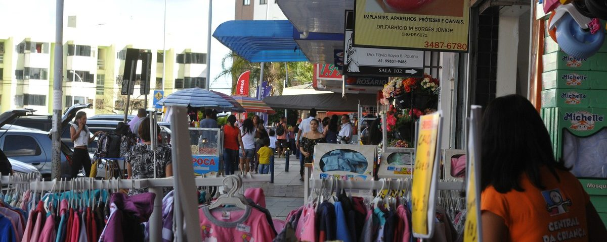 Justiça Federal autoriza a reabertura gradual do comércio no DF; ver proposta