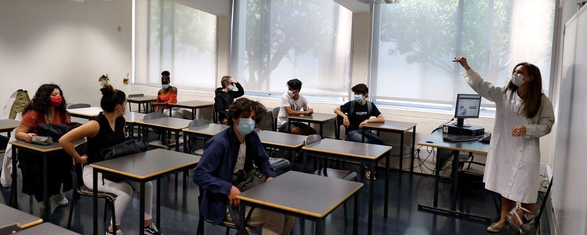 Portugal tem retorno parcial às aulas na segunda-feira, com medidas de proteção e distância