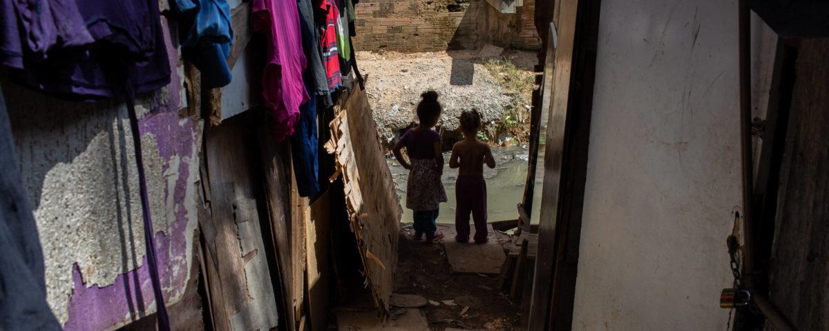A quarentena de jovens em áreas ricas é 7 vezes maior que a dos mais pobres de SP