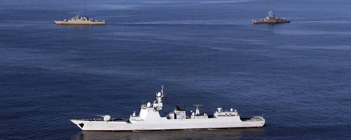 Quase 20 mortos e 15 feridos em um navio iraniano atingido por fogo amigo
