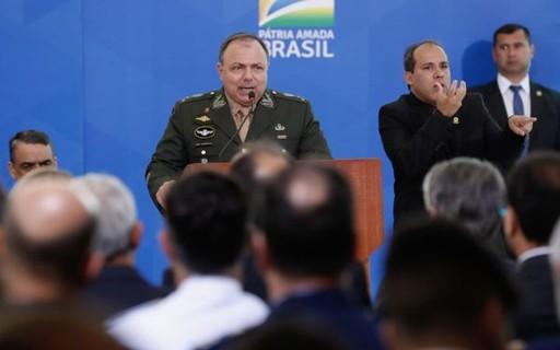 Quem é Eduardo Pazuello, o general que assumirá por enquanto o Ministério da Saúde?