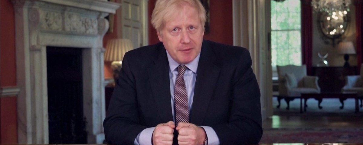 Reino Unido a bloquear até pelo menos 1 de junho, mas facilita restrições