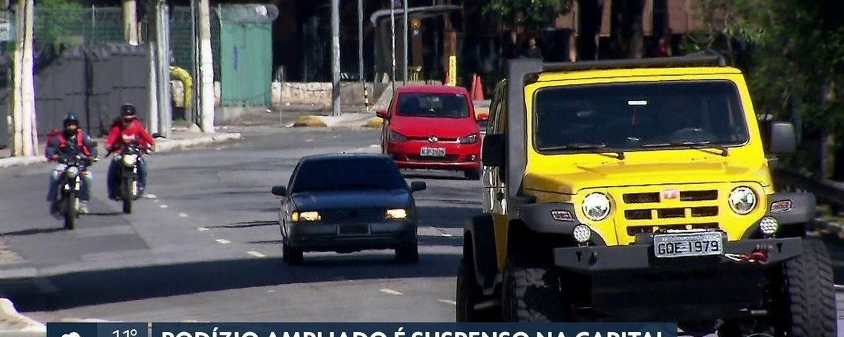 A rotação tradicional de carros entra em vigor nesta segunda-feira em São Paulo; veja placas que podem circular