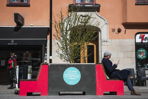 Sem isolamento social, a Suécia lidera as mortes per capita de Covid-19