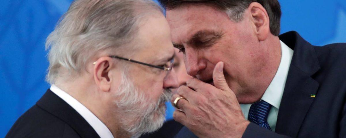 Supremo considera a visita surpresa de Bolsonaro a Aras como um ato de pressão