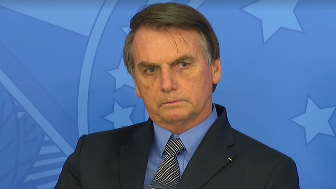 Bolsonaro diz que não pode mais ajudar estados e insiste em reabrir a economia.