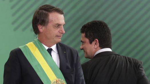 PF tem acesso às mensagens que Moro trocou com Bolsonaro e Carla Zambelli