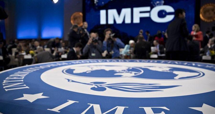 """Reabrir é um processo difícil, e o custo dos erros """"pode ser grande"""", diz o FMI."""
