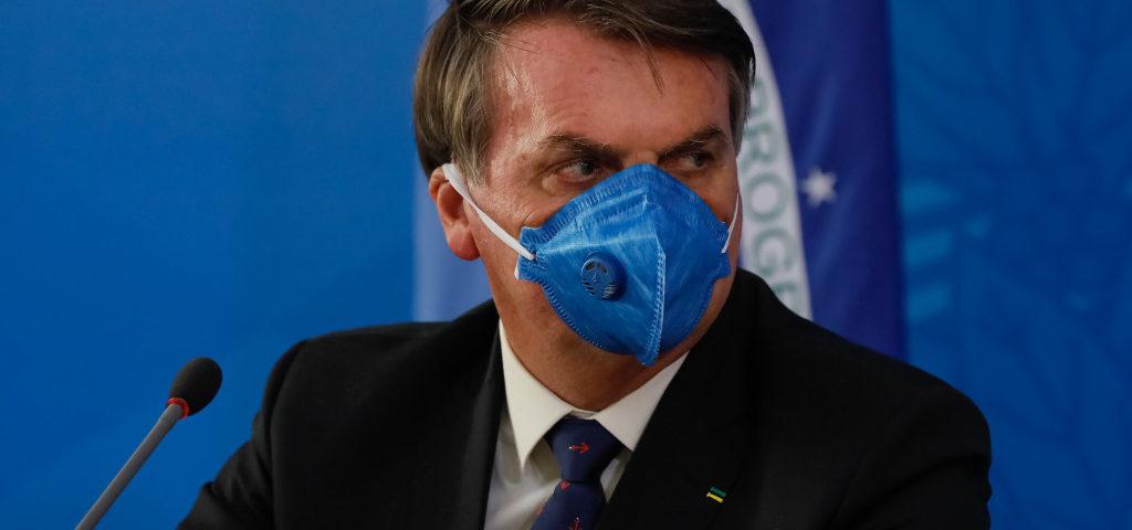 """A revista médica diz que Bolsonaro é uma """"ameaça à luta contra o Covid-19"""""""