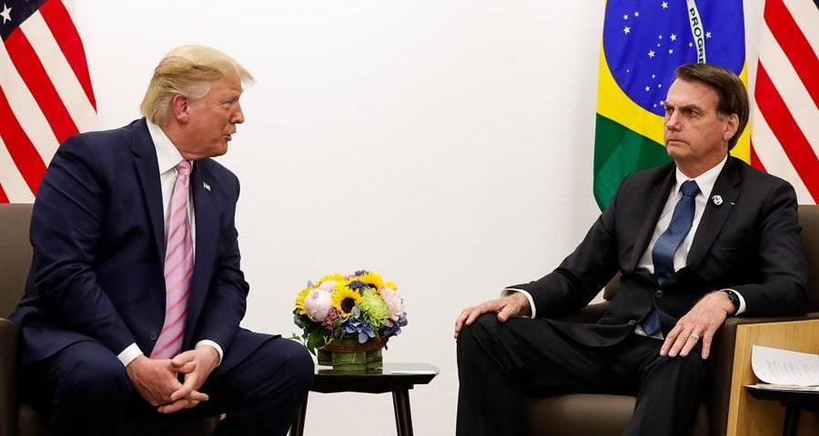 Estados Unidos anuncia proibição de entrada de viajantes no Brasil devido a coronavírus