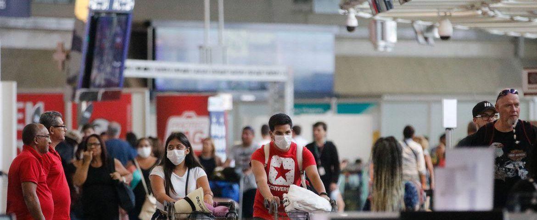 O governo proíbe a entrada de qualquer estrangeiro no país por 30 dias para conter o coronavírus