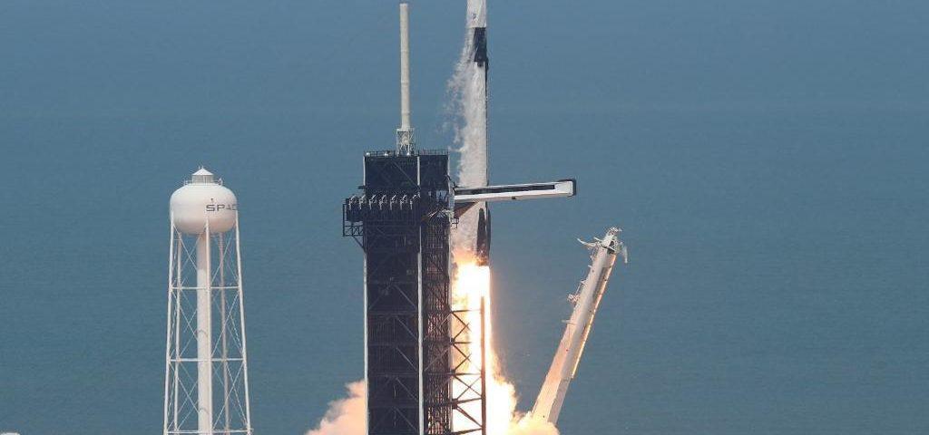 Lançamento da SpaceX: Astronautas se preparam para viagens espaciais