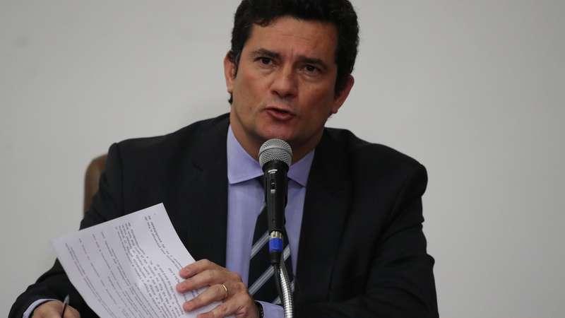"""Bolsonaro """"não tem motivos ou argumentos"""", ataca Moro"""