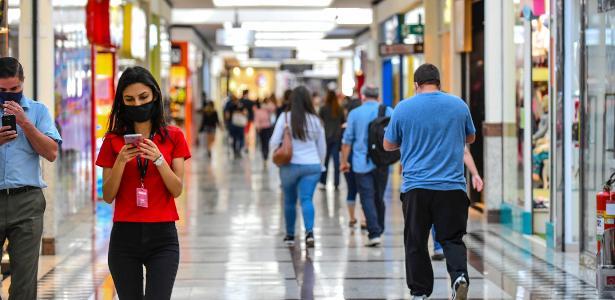 Covas confirma reabertura do comércio de SP; shoppings devem voltar na quinta-feira