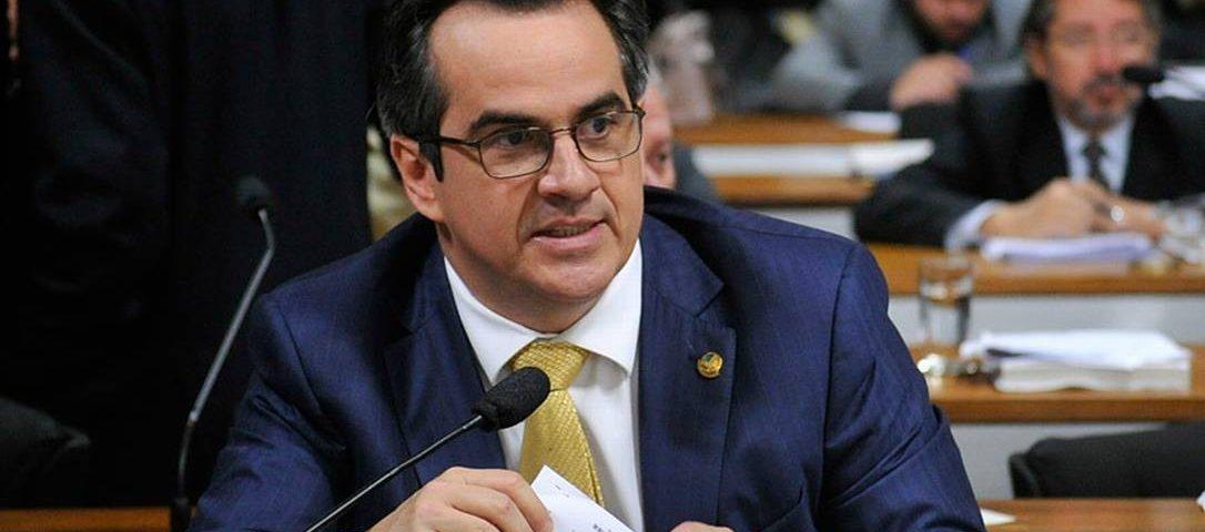 Governo nomeia chefe de gabinete do senador Centrão para presidir o FNDE