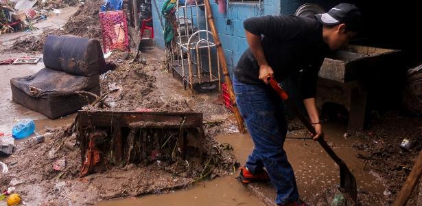 O número de mortes em tempestades tropicais aumenta para 27 em El Salvador