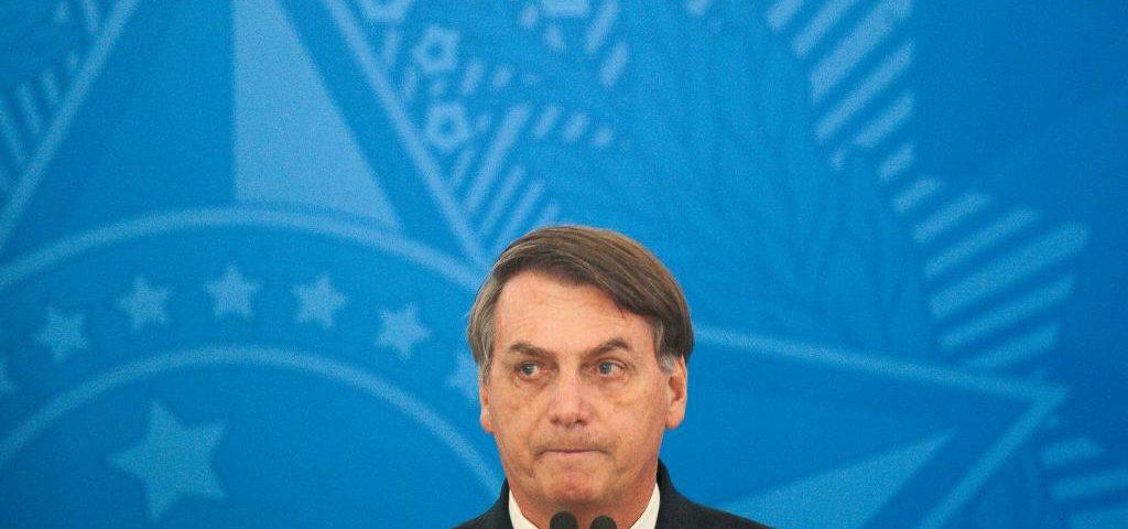Celso de Mello rejeita apreensão de celulares, mas critica Bolsonaro