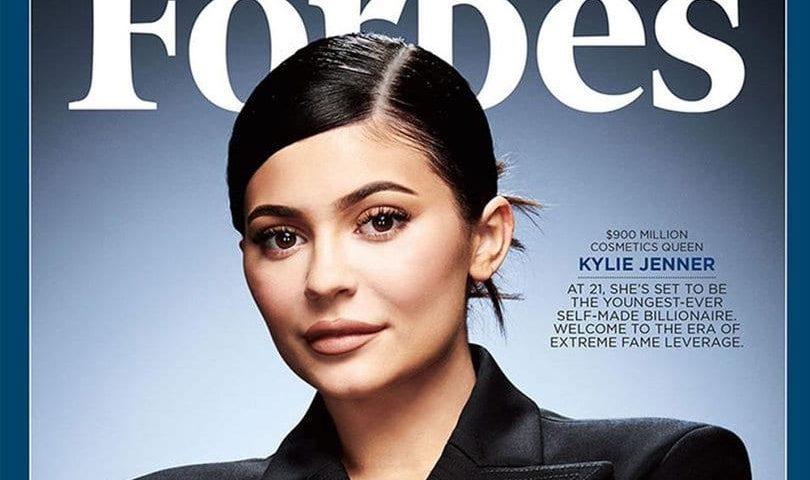 A Forbes alega que Kylie Jenner mentiu sobre patrimônio e recebeu o título de bilionária da empresária