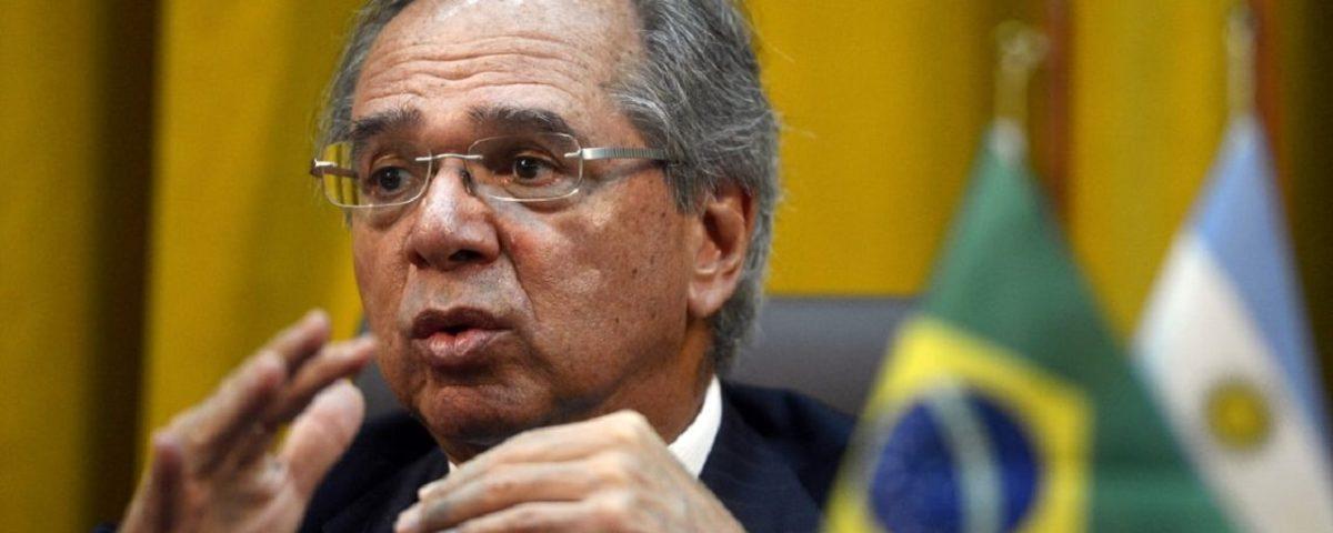"""Guedes defende a saída da """"letargia econômica"""" em duas etapas"""