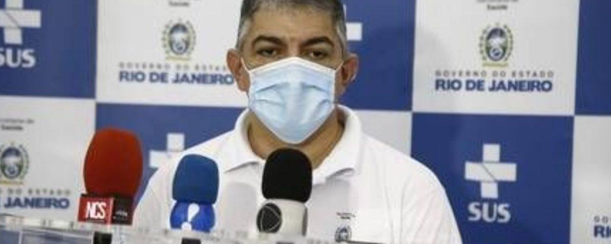 """O Secretário de Saúde do Rio renuncia e diz que tentou: """"Peço desculpas à população"""""""